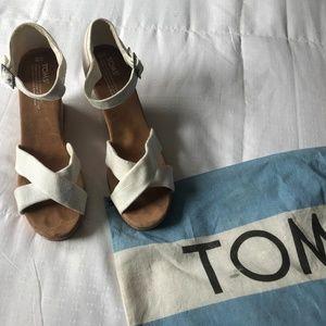 TOMS Ivory Cork Wedge Sandals - Women's 10